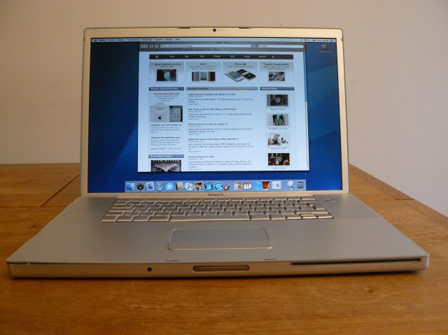 Apple Mac Book Pro 1